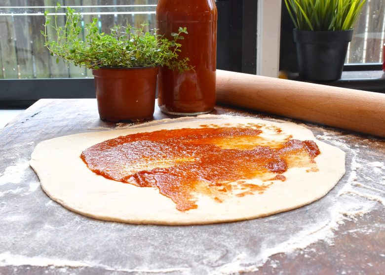 homemade pizza sauce what annabel cooks. Black Bedroom Furniture Sets. Home Design Ideas
